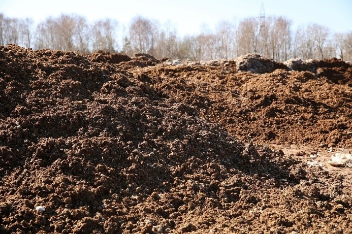 Seeking technology for processing poultry waste bedding material into biofertilizer for crop production
